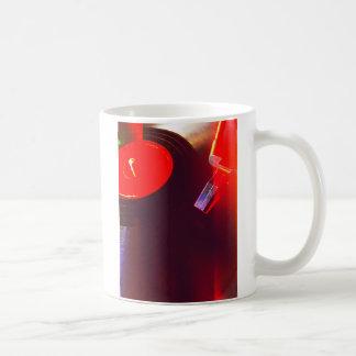 Mug Disque vinyle avec des fuites de lumière rouge