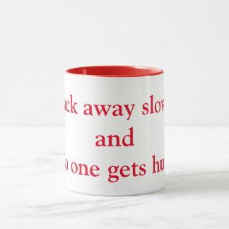 Mug Dos loin lentement