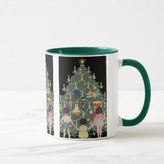 Mug Enfants vintages de Noël autour d'un arbre décoré