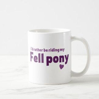 Mug Est tombé le poney