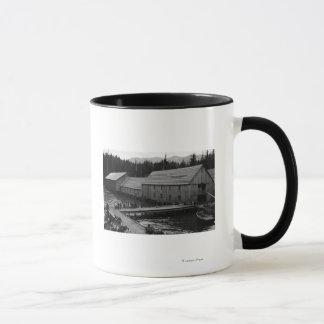 Mug Fabrique de conserves saumonée près de Ketchikan,