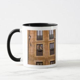 Mug Fenêtres d'appartement, Rome, Italie 2