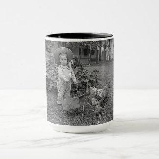 Mug fille de jardin de 1890's petite avec la photo de