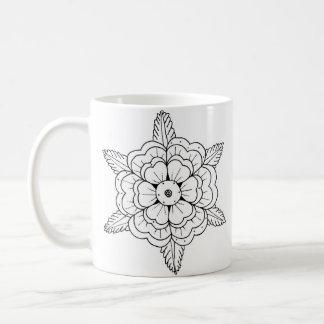 Mug fleur de style de tatouage de mandala