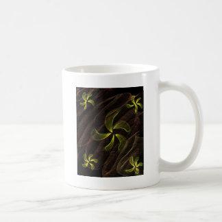 Mug fleur verte sur la fumée brune
