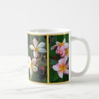 Mug Fleurs hawaïennes de Plumeria enroulées autour de