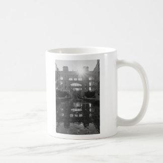 Mug Gamme de gris de rayon de soleil de Coronado