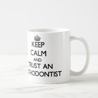Mug Gardez le calme et faites confiance à un