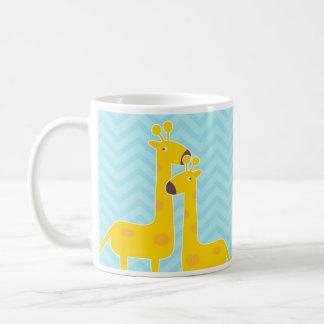 Mug Girafe sur le motif de chevron de zigzag - bleu en