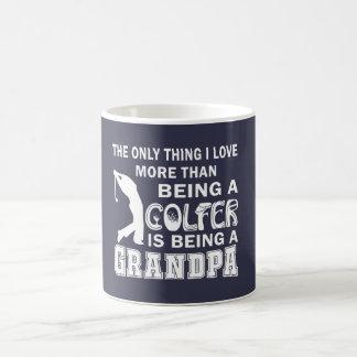 Mug Grand-papa au-dessus du golf