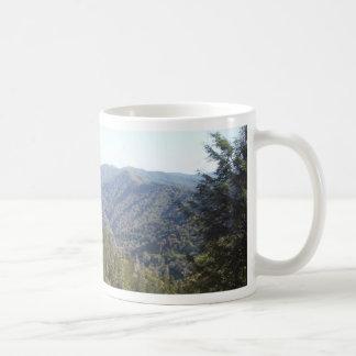 Mug Grande vue 1 de montagne fumeuse