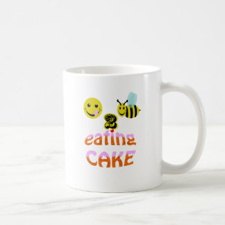 Mug happy2bee mangeant le gâteau