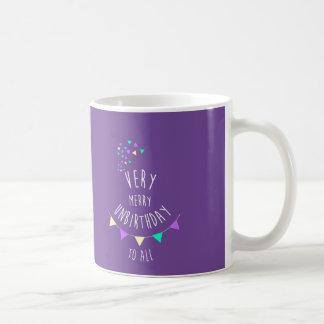 Mug Heureux jour non de anniversaires. Nous tenons