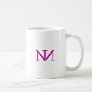 Mug Illustration avec deux l'alphabet N dans le rose