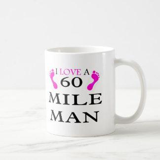 Mug j'aime un homme de 60 milles 2 pieds