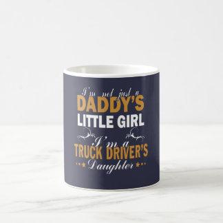 Mug Je suis la fille d'un chauffeur de camion