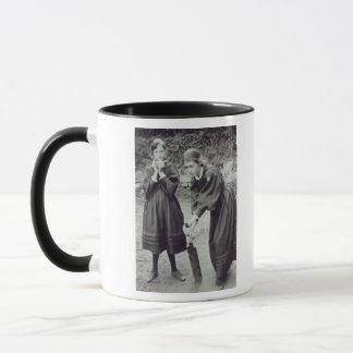 Mug La Virginie et Vanessa Stephen, à St Ives, 1894
