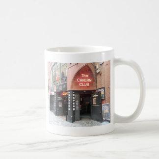 Mug Le club de caverne dans la rue de Mathew de