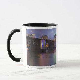 Mug Le pont de Morrison au-dessus de la rivière de