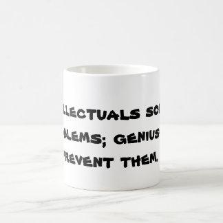 Mug Les intellectuels résolvent des problèmes ; les