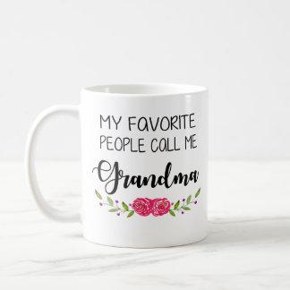 Mug Les personnes préférées m'appellent grand-maman