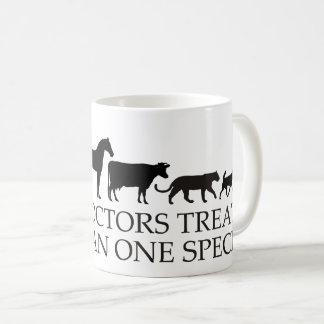Mug Les vrais médecins (vétérinaires) traitent plus