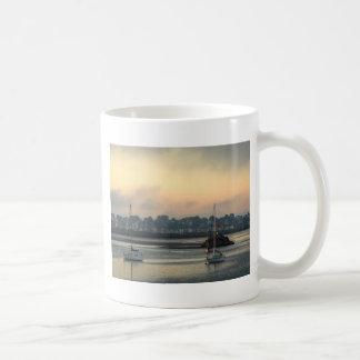 Mug Lever de soleil et bateaux