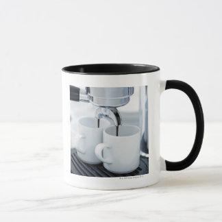 Mug Machine de café express faisant le café
