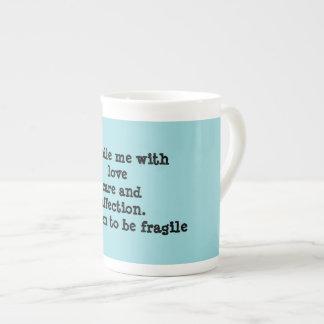 Mug manipulez-moi avec le soin et affection d'amour.