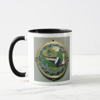 Mug Médaillon dépeignant un dragon, Français, de