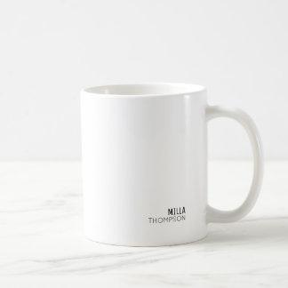 Mug minimal du blanc élégant de style minimaliste