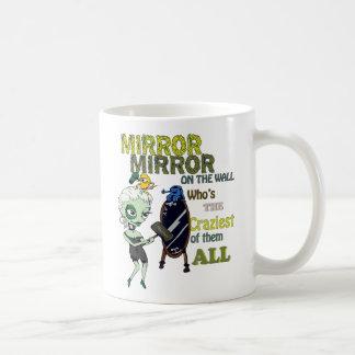 Mug Miroir de miroir sur le mur