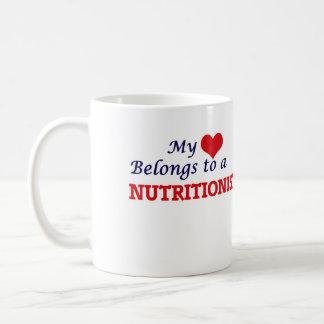 Mug Mon coeur appartient à un nutritionniste