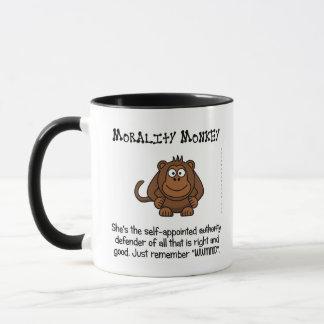 Mug Monkeying avec l'autorité morale