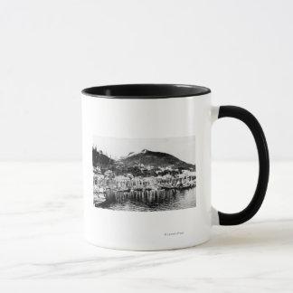 Mug Montagne de flotte de pêche et de cerfs communs