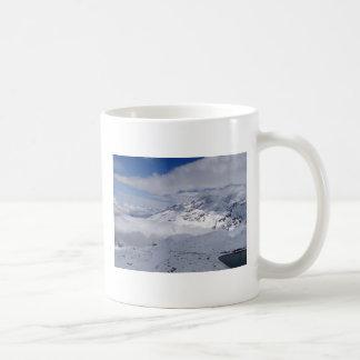 Mug Montagnes sur le chemin à Gornergrat en Suisse