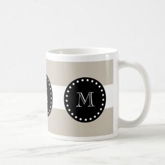Mug Motif blanc beige de rayures, monogramme noir