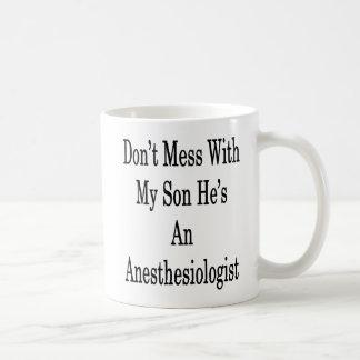 Mug Ne salissez pas avec mon fils qu'il est un