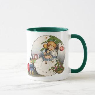 Mug Noël vintage, fille heureuse jouant avec des