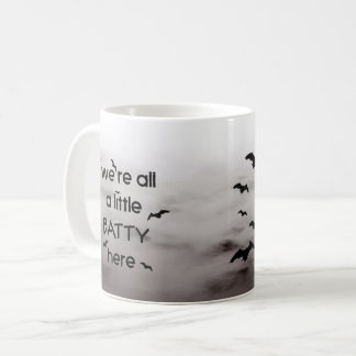 Mug Nous sommes tous petit BATTY ici