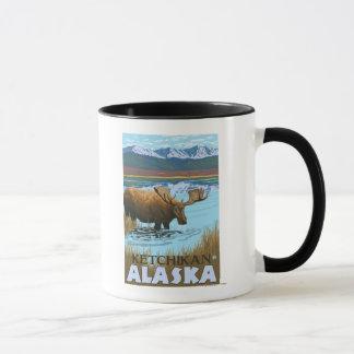 Mug Orignaux buvant au lac - Ketchikan, Alaska