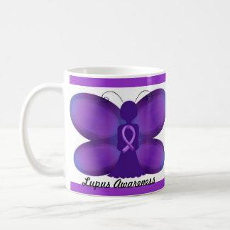 Mug Papillon féerique pourpre de conscience de lupus