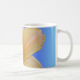 Mug Pêche sur le bleu - Daylily