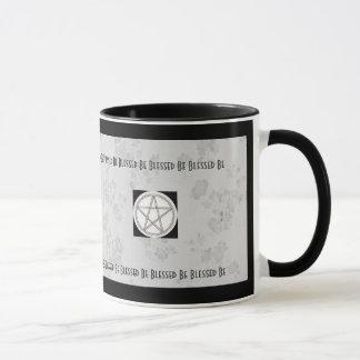 Mug Pentagramme païen gris et blanc de fleurs de