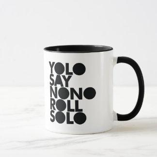 Mug Petit pain de YOLO en solo rempli