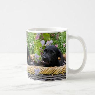Mug Photo noire mignonne d'animal familier de chiot de