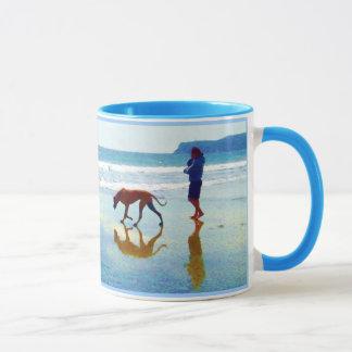 """Mug plage de chien - """"pour voir un monde dans un grain"""