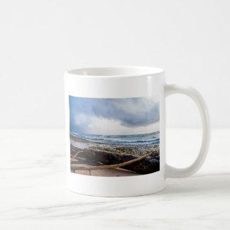 Mug Plage de Kauai avec le bois de flottage