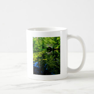 Mug Pont au-dessus de l'eau paisible