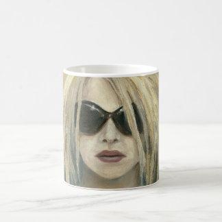 Mug Portrait moderne punk de femelle de peinture de